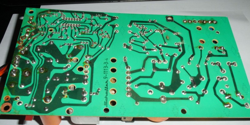 wer kann mir ein c128d netzteil reparieren home computer pc circuit board. Black Bedroom Furniture Sets. Home Design Ideas